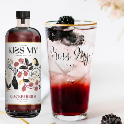 Kiss My Blackberries 700ml 21% met 2 glazen